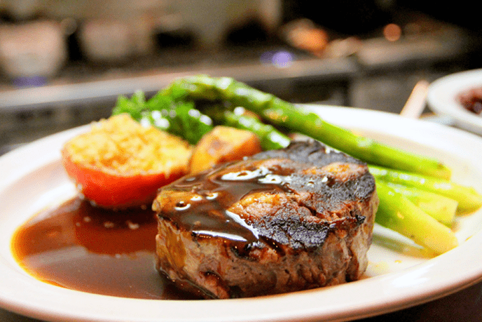 Grilled Beaf Steak With Sauce